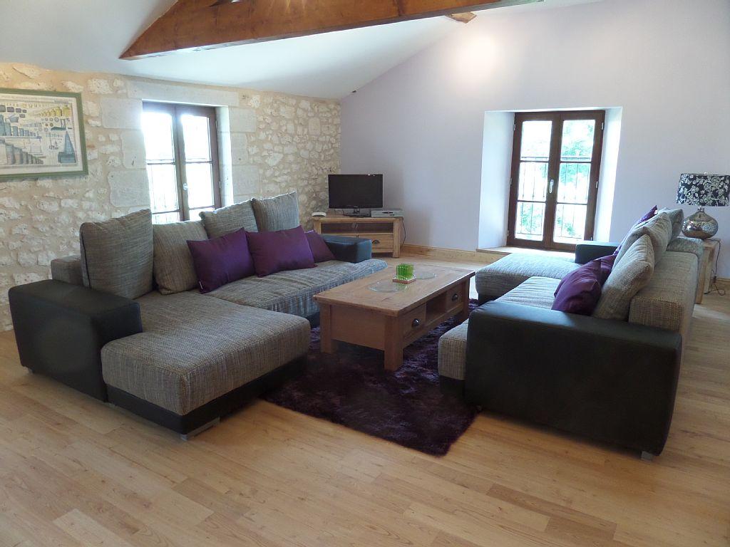 La Roche - Upstairs Lounge