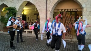 Dancing outside the Pizzeria in Eymet 2016